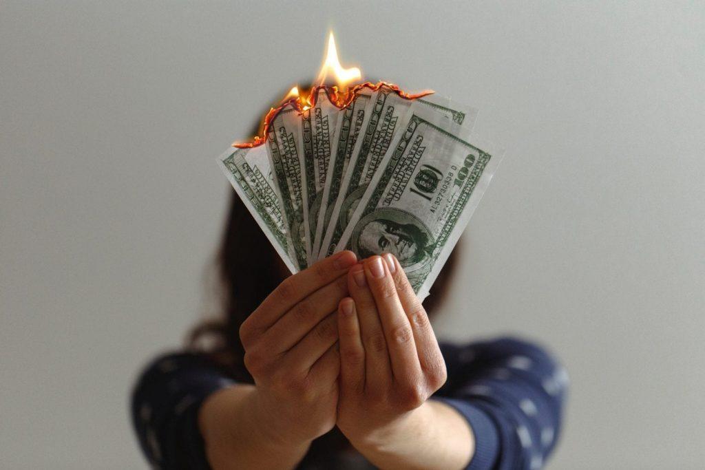 Cash dibakar untuk profit? lebih penting yang mana?